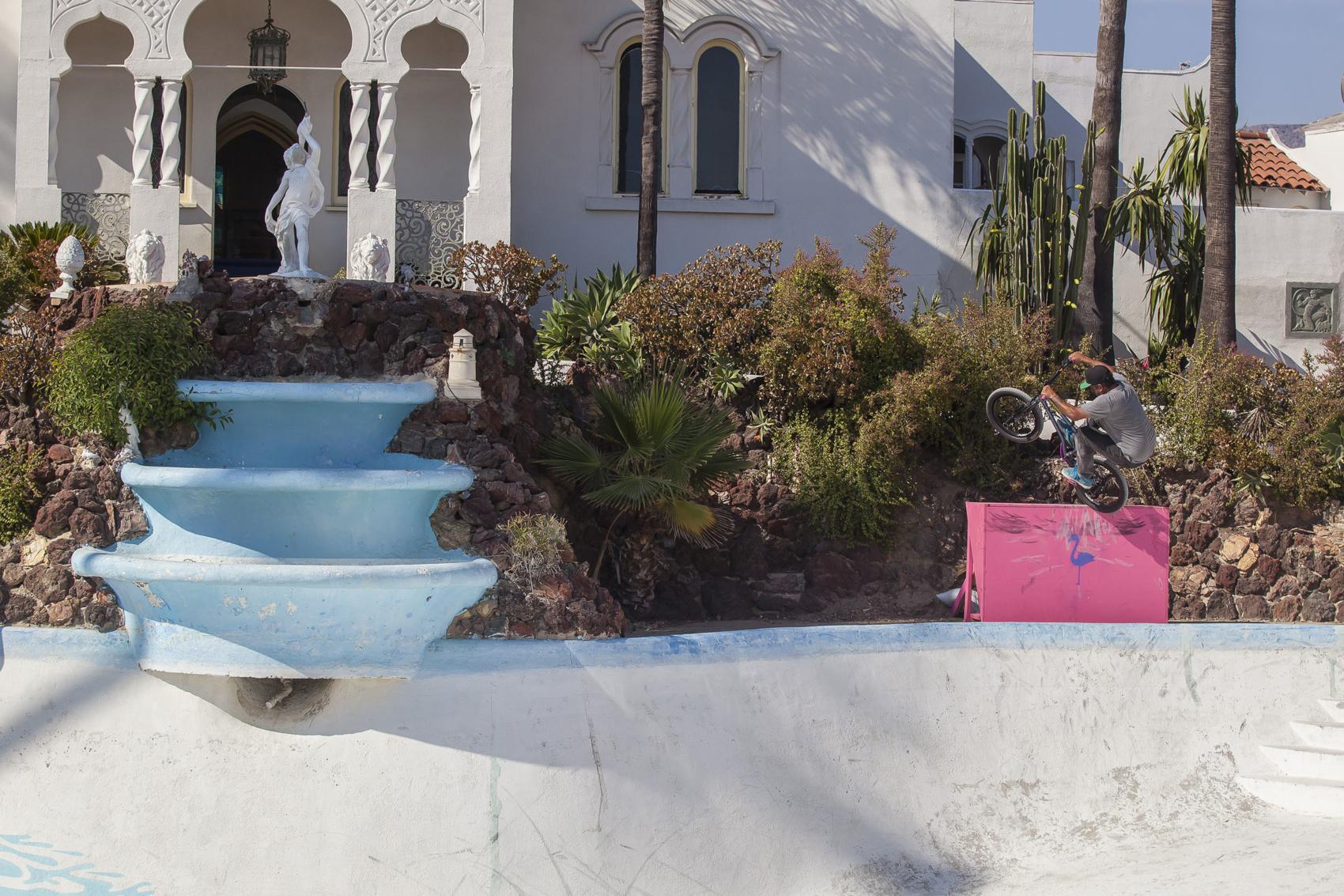 rooftop_pool_s-roofanu-luna